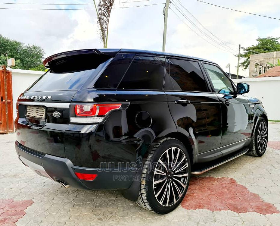 Archive: Land Rover Range Rover Sport 2016 Black