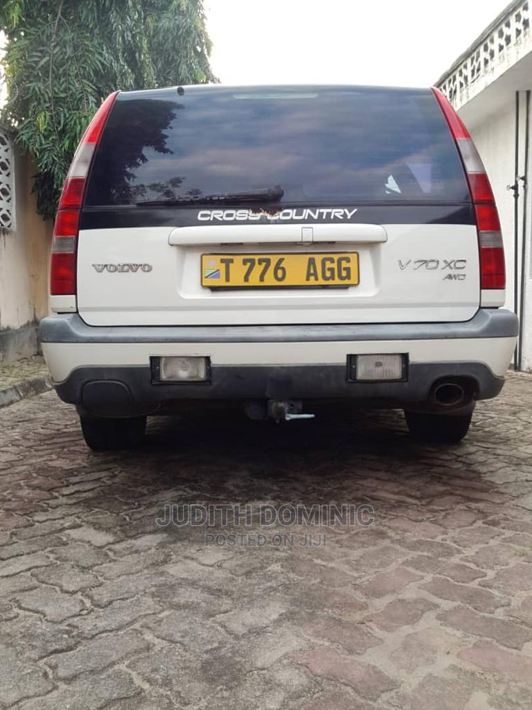 Archive: Volvo V70 1999 XC AWD White