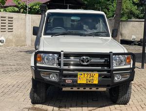 Toyota Land Cruiser 2018 White | Cars for sale in Dar es Salaam, Kinondoni