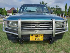 Toyota Hilux 1999 Green | Cars for sale in Mwanza Region, Ilemela