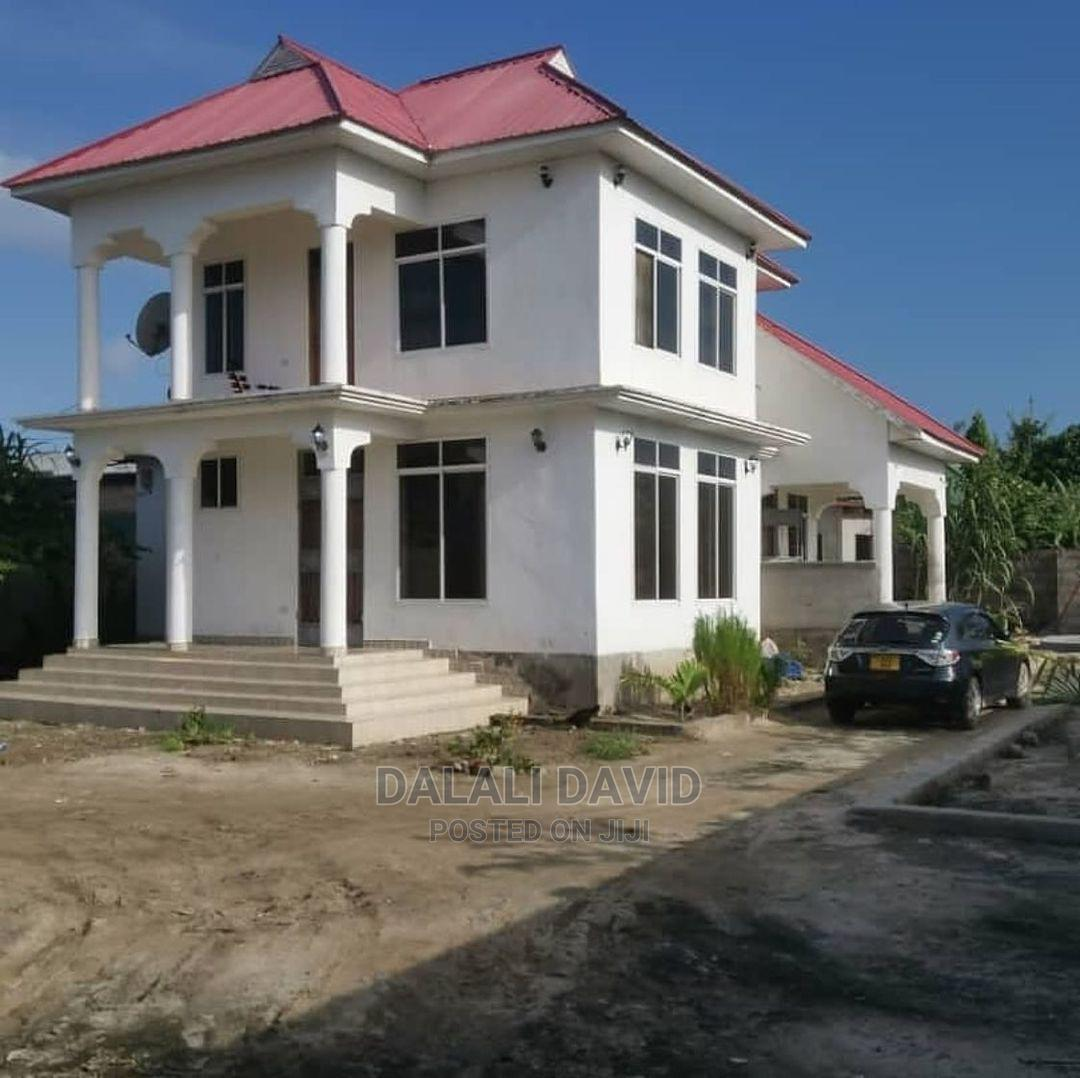 4bdrm House in Kigamboni Houses, Kivukoni for Sale