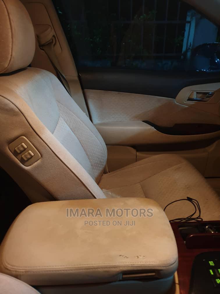 Archive: Toyota Crown 2008 Black