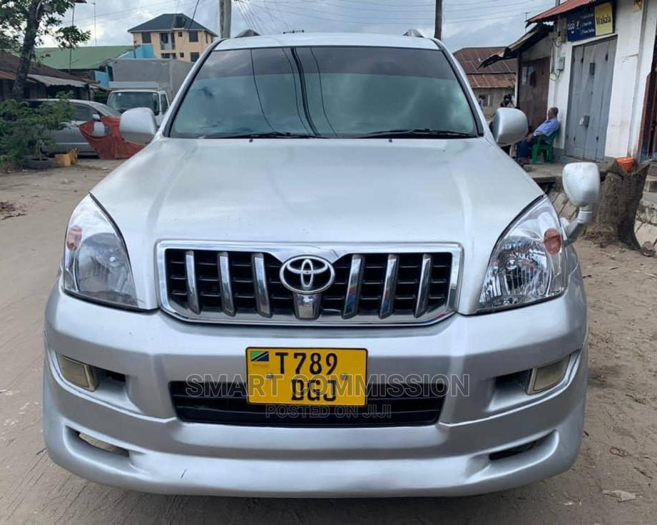Toyota Land Cruiser Prado 2005 Silver | Cars for sale in Kinondoni, Dar es Salaam, Tanzania