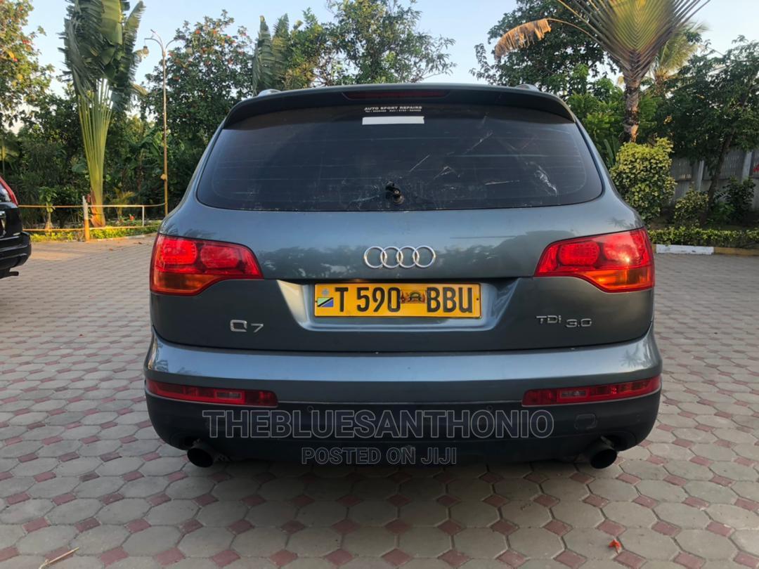 Audi Q7 2007 3.0 TDI Quattro Tiptronic Gray | Cars for sale in Kinondoni, Dar es Salaam, Tanzania