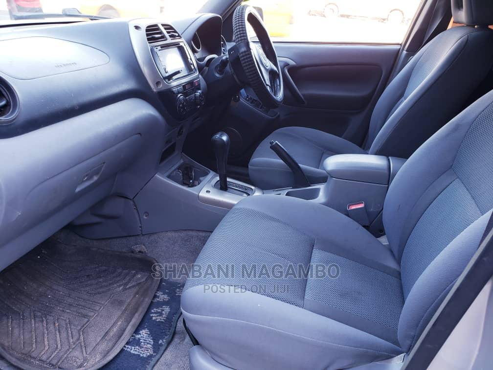Archive: Toyota RAV4 2003 Automatic Silver