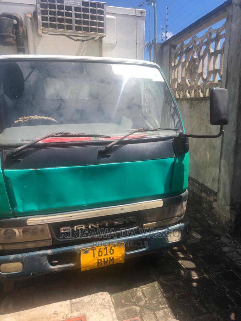 Archive: Mitsubishi Canter 1999 Green