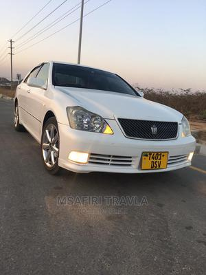 Toyota Crown 2005 White   Cars for sale in Dar es Salaam, Kinondoni