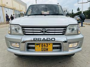 Toyota Land Cruiser 2006 Silver | Cars for sale in Dar es Salaam, Kinondoni