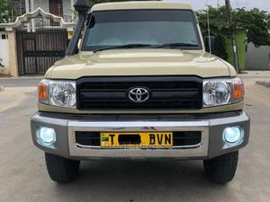 Toyota Land Cruiser 2013 Beige | Cars for sale in Dar es Salaam, Kinondoni