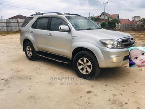 Toyota Fortuner 2005 Silver | Cars for sale in Dar es Salaam, Kinondoni