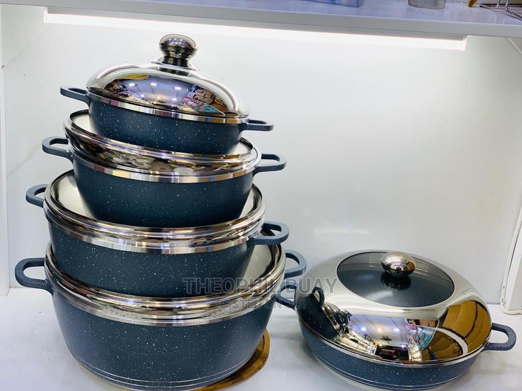 Dessini Die Cast Cookware
