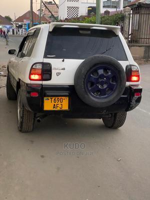 Toyota RAV4 2004 White | Cars for sale in Dar es Salaam, Kinondoni