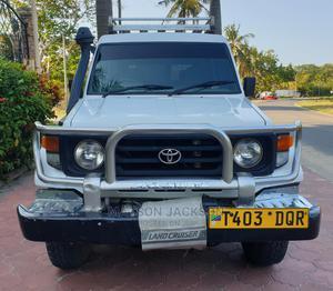 Toyota Land Cruiser 2004 White | Cars for sale in Dar es Salaam, Kinondoni