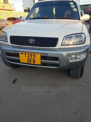 Toyota RAV4 2000 Automatic Beige | Cars for sale in Dar es Salaam, Kinondoni