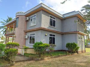 4bdrm House in Kigamboni Kisota, Kivukoni for Sale | Houses & Apartments For Sale for sale in Ilala, Kivukoni