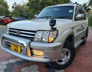 Toyota Land Cruiser Prado 2001 2.7 16V 3dr White | Cars for sale in Dar es Salaam, Kinondoni