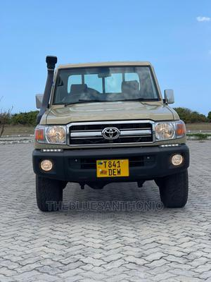 Toyota Land Cruiser 2006 100 4.7 Executive Beige   Cars for sale in Dar es Salaam, Kinondoni