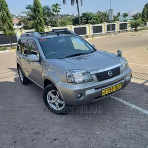 Nissan X-Trail 2004 Automatic Silver | Cars for sale in Mwanza Region, Ilemela