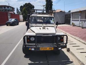Land Rover Defender 1998 White | Cars for sale in Dar es Salaam, Kinondoni