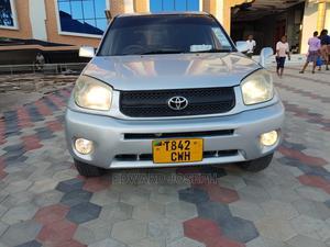 Toyota RAV4 2005 4x4 Silver | Cars for sale in Dar es Salaam, Kinondoni
