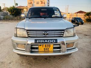 Toyota Land Cruiser Prado 2001 2.7 16V 5dr Silver | Cars for sale in Dar es Salaam, Kinondoni