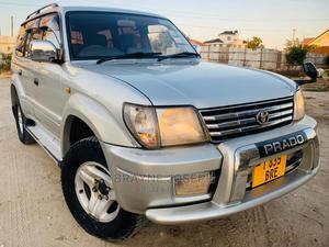 Toyota Land Cruiser Prado 2000 2.7 16V 3dr Silver | Cars for sale in Dar es Salaam, Kinondoni