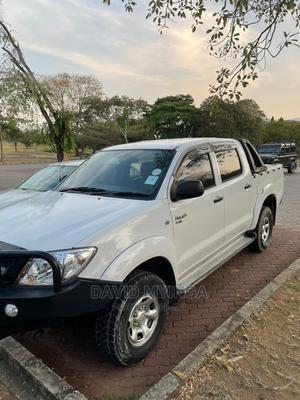 Toyota Hilux 2010 2.5 D-4d 4X4 SRX White   Cars for sale in Dar es Salaam, Kinondoni