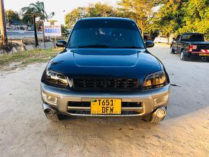 Toyota RAV4 1999 Base FWD Blue | Cars for sale in Dar es Salaam, Kinondoni