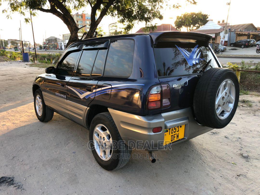 Toyota RAV4 1999 Base FWD Blue | Cars for sale in Kinondoni, Dar es Salaam, Tanzania