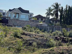 Eneo Linauzwa Mbezi Beach   Land & Plots For Sale for sale in Dar es Salaam, Kinondoni