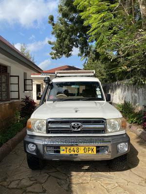 Toyota Land Cruiser 2009 White | Cars for sale in Tanga Region, Tanga City