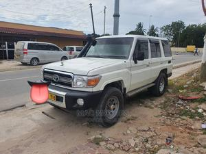 Toyota Land Cruiser 2012 4.0 V6 DLX White | Cars for sale in Dar es Salaam, Kinondoni