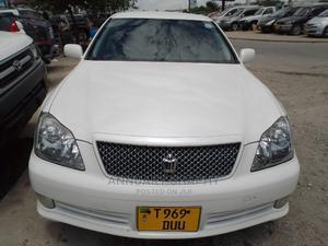 Toyota Crown 2004 White   Cars for sale in Dar es Salaam, Kinondoni