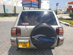 Toyota RAV4 1999 Base FWD Silver | Cars for sale in Dar es Salaam, Kinondoni