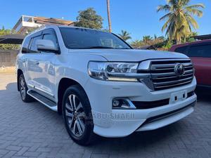 Toyota Land Cruiser 2017 4.6 V8 ZX White | Cars for sale in Dar es Salaam, Kinondoni