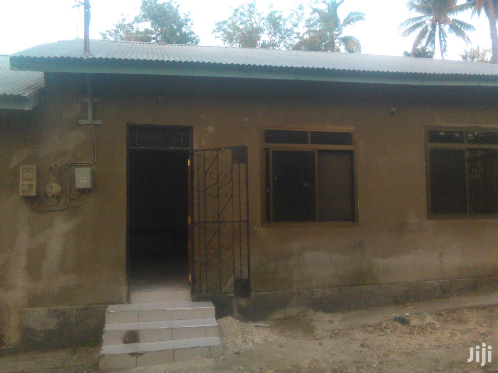 2 Bedroom,Master,Sebule,Jiko,Public Toilet Na Car Parking