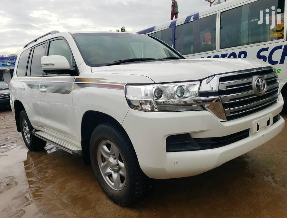 Toyota Land Cruiser 2016 White