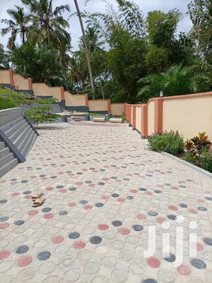 Ina Vyumba2,Master,Sebule,Jiko,Public Toilet Na Parking   Houses & Apartments For Rent for sale in Dar es Salaam, Kinondoni