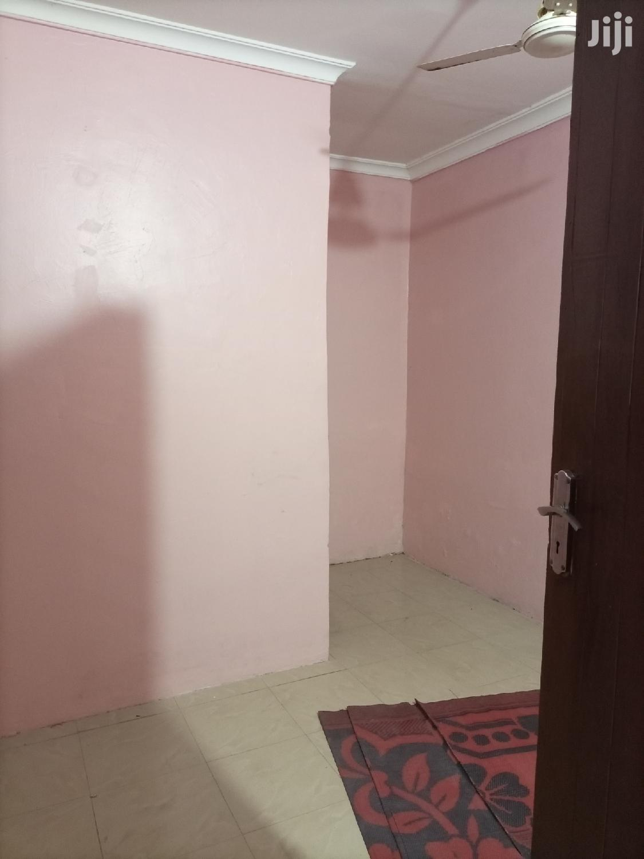 Vyumba 2, Sebule,Jiko,Master Na Public Toilet, Car Parking | Houses & Apartments For Rent for sale in Kinondoni, Dar es Salaam, Tanzania