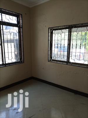 Chumba Na Choo Ndani (Master)   Houses & Apartments For Rent for sale in Dar es Salaam, Kinondoni