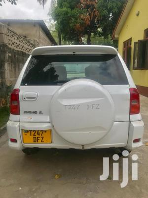 Toyota RAV4 2002 White   Cars for sale in Dar es Salaam, Kinondoni