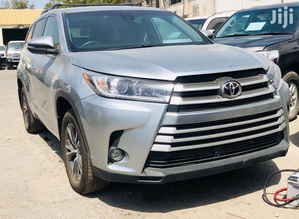 Toyota Kluger 2017 Silver