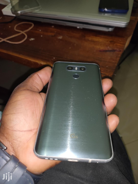 New LG G6 32 GB Silver   Mobile Phones for sale in Mbeya City, Mbeya Region, Tanzania