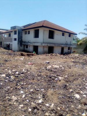 Eneo Linauzwa Kama Godown Au Kiwanda   Houses & Apartments For Sale for sale in Dar es Salaam, Kinondoni